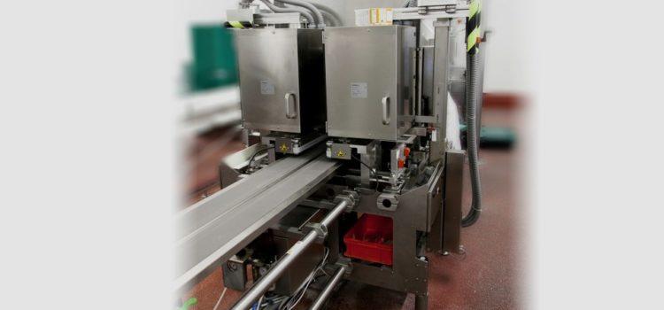 Automatic labeller C-Wrap applicator